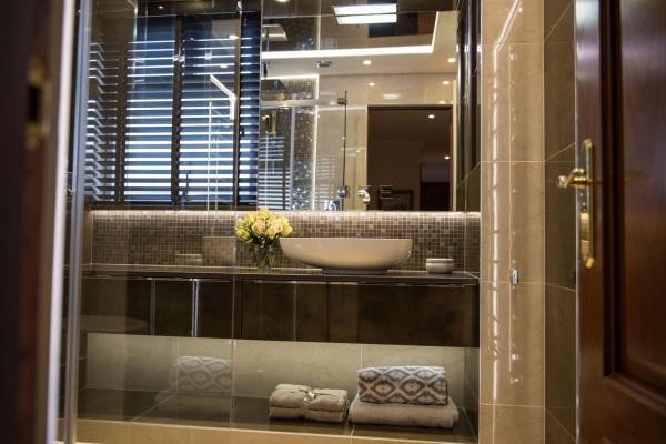 Glamour Shower Room - Portfolio